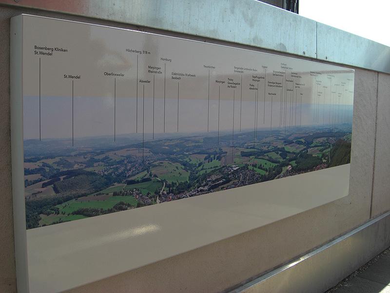 Infotafeln über Aussichtspunkte