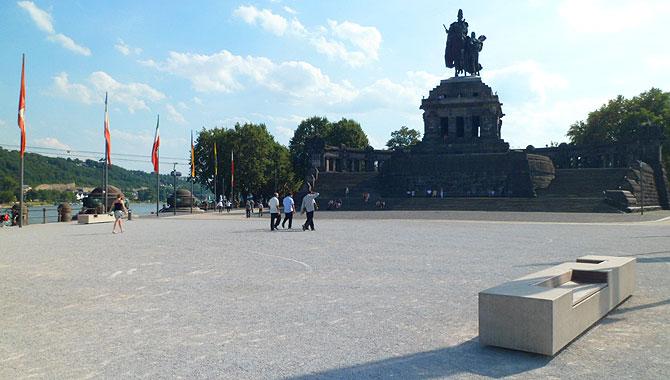 Deutsches-Eck_Vorplatz