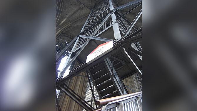 Kölner-Dom_Eiserne-Treppe