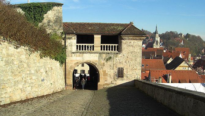 Tübingen_Schloss-Hohentübingen_Unteres-Schlosstor