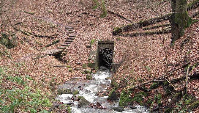 Heslacher-Wasserfälle_Stollen
