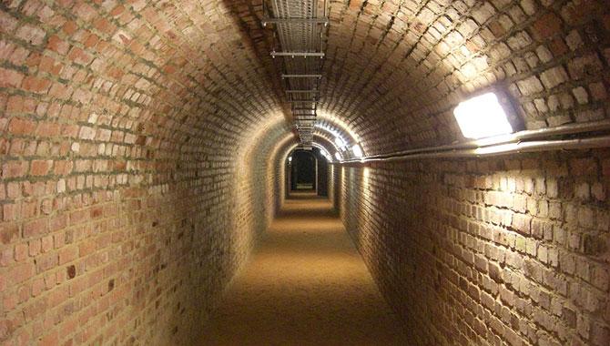 Schlossberghöhlen-Homburg_Bunker