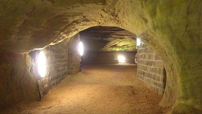 Schlossberghöhlen-Homburg_Höhle