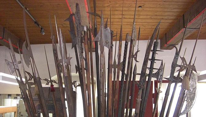 Mittelalterliches-Kriminalmuseum_Speere