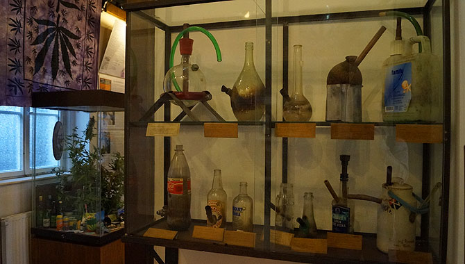 Hanfmuseum-Berlin_Bongs