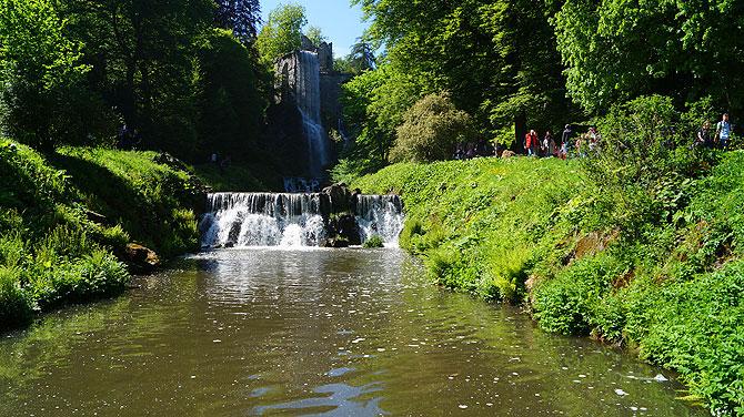 Wasserspiele-im-Bergpark-Kassel_Kaskaden