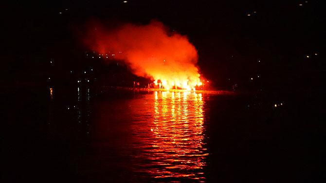 Rhein-in-Flammen-Bengalo-Feuer