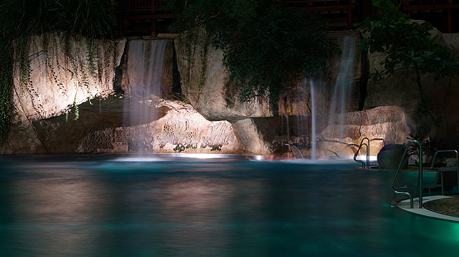Tropical-Islands-Wasserfall