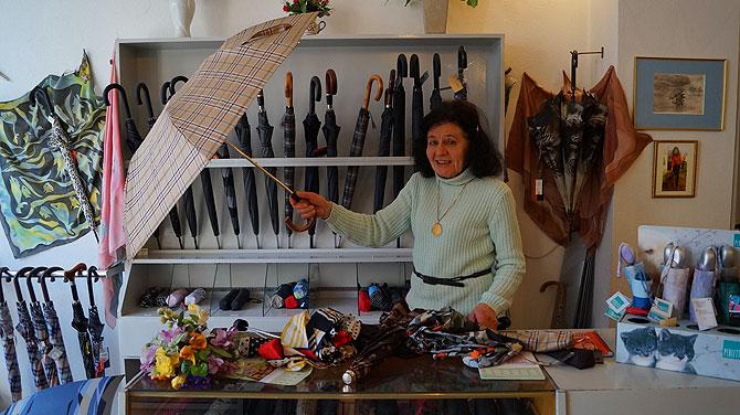 Typisch Trier ist der Schirmladen von Gisela.