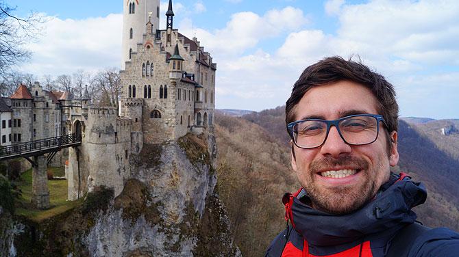Ich vor Schloss Lichtenstein