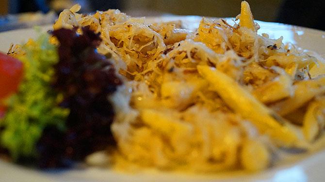 Schupfnudel und Sauerkraut im Wandergasthof