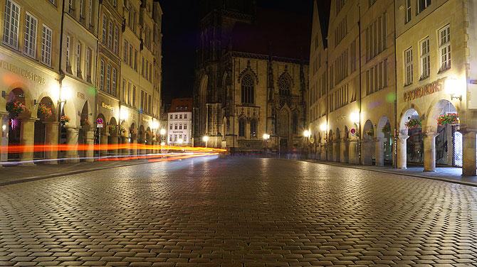 Typisch Münster: Prinzipalmarkt nachts