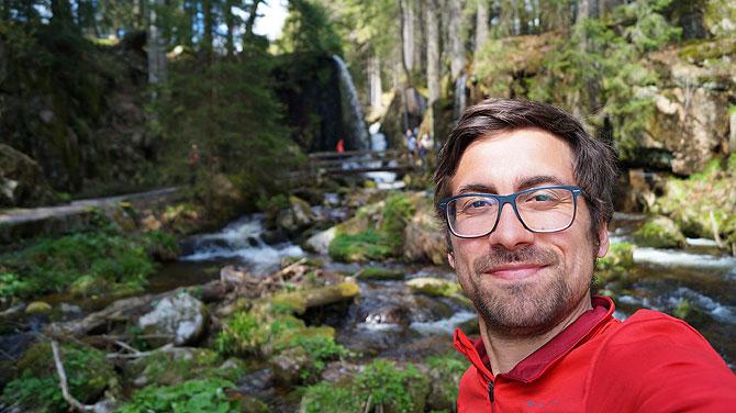 Ich vor Wasserfall in Menzenschwand