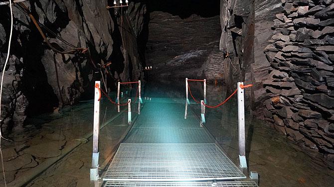 Tauchen ist im Bergwerk Nuttlar sehr beliebt.