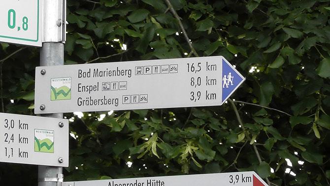 Wegweiser auf dem Westerwaldsteig