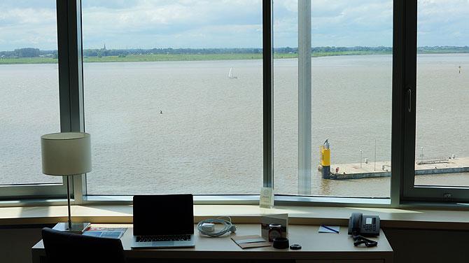 Der Ausblick aus dem Zimmer auf die Weser