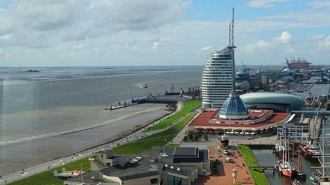 Blick auf das Atlantic Sail City vom Radarturm aus