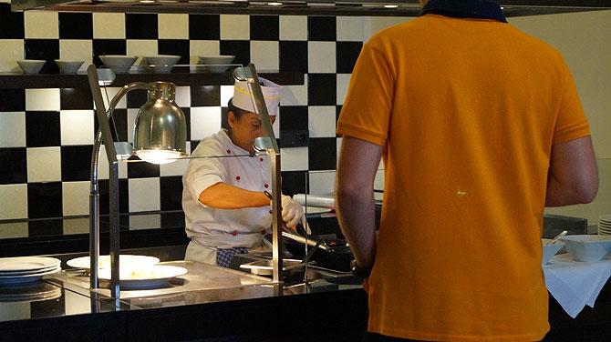 Live-Cooking mit Rührei