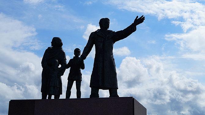 Statue am Hafen
