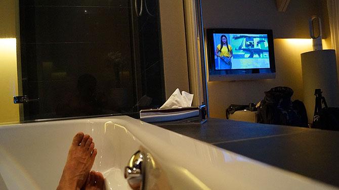 Fernsehen von der Badewanne aus