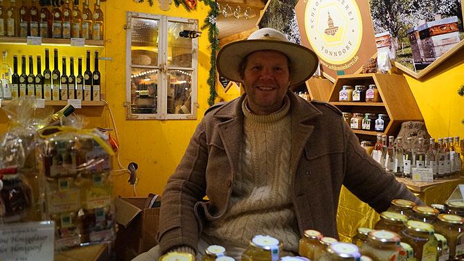 Michael Grolm von der Schlossimkerei Tonndorf