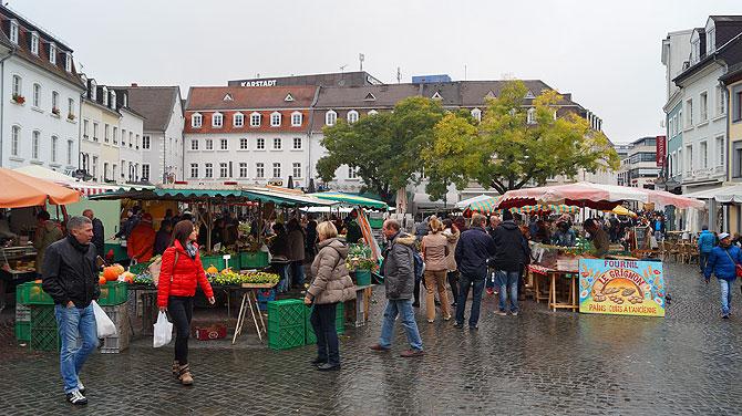 Beliebter Treffpunkt ist der St. Johanner Markt