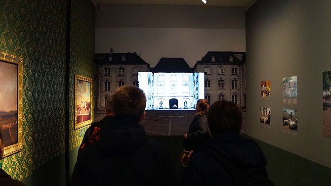 Kleine Ausstellung und Film im Schloss