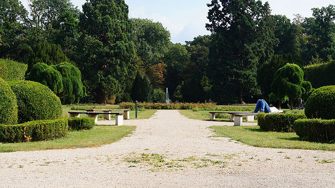 Erftradweg-Wasserburgenroute-Deutschland-Reiseblog-Schloss-Gracht-Garten