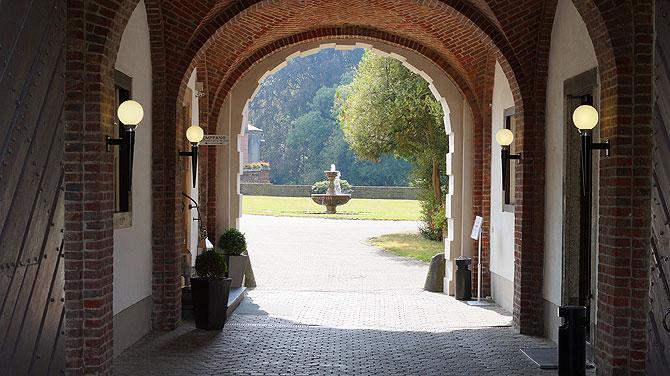 Eingang zum Grachter Schlossgarten