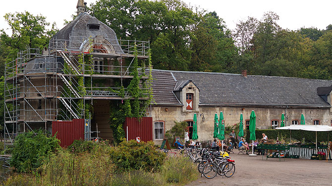 Café im Innenhof von Schloss Türnich