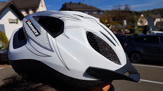 Ein Helm sorgt für die nötige Sicherheit