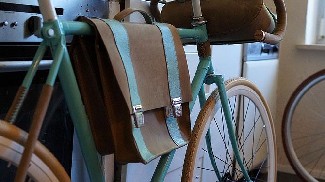 Auch die coolen Satteltaschen kommen aus der Region Füssen.