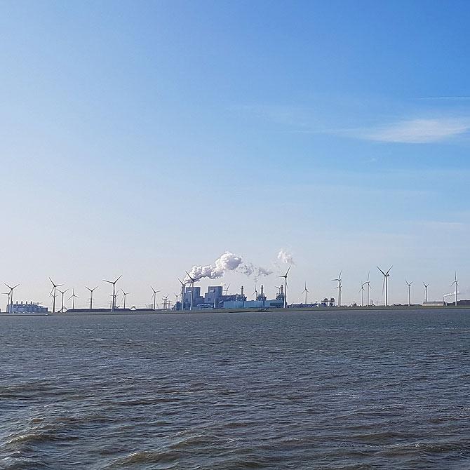 Wunderschönes Kraftwerk-Panorama