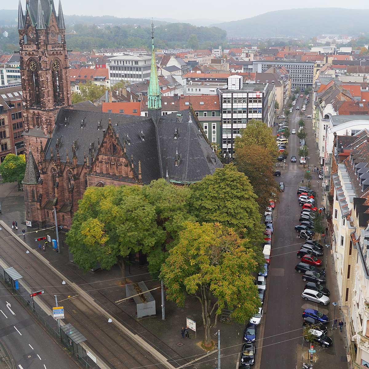 Blick vom Rathausturm auf das Nauwieser Viertel in Saarbrücken