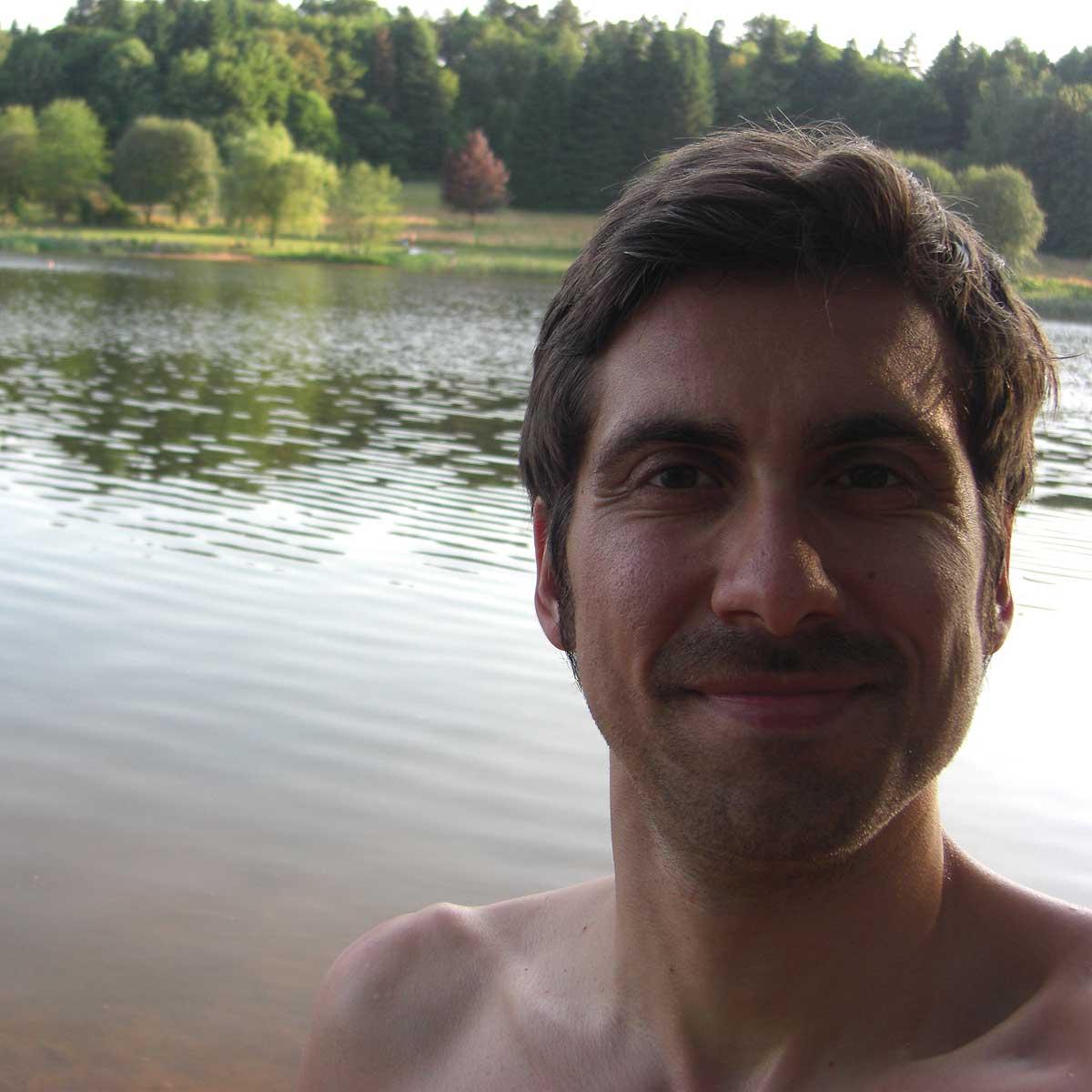 Ich mache mich frei am Badesee in Losheim.