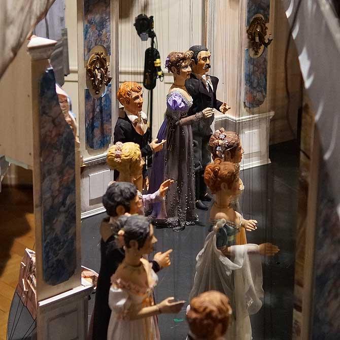 Die Marionetten stellen sich auf