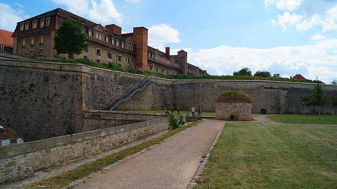 Beeindruckende Festungs-Anlage ist einer der Sehenswürdigkeiten in Erfurt