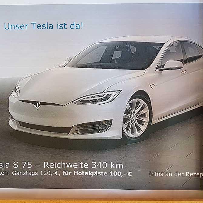 Auch einen Tesla kannst du mieten