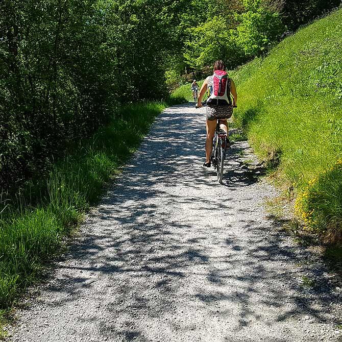Radtour auf einem schönen Radweg