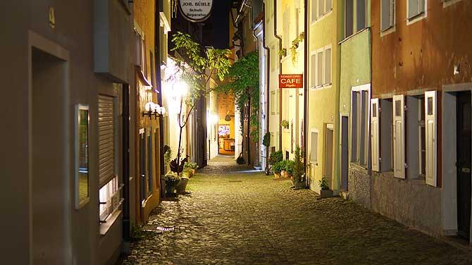 Nachts die Gassen von Lindau
