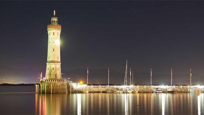 Lindau Leuchtturm bei Nacht