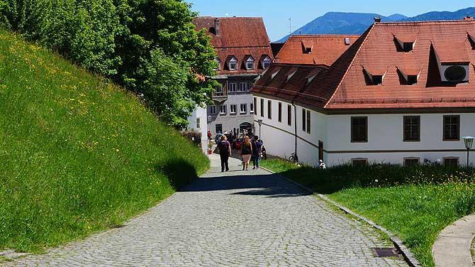 Weg von Altstadt ins Grüne