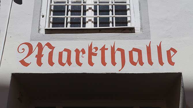 Die Markthalle ist eine der Sehenswürdigkeiten in Füssen