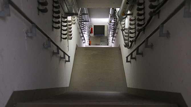 Medientunnel mit Kabelführung