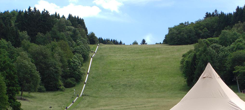 Die Sommerrodelbahn Peterberg gehört zum Freizeitzentrum in Braunshausen im Saarland.