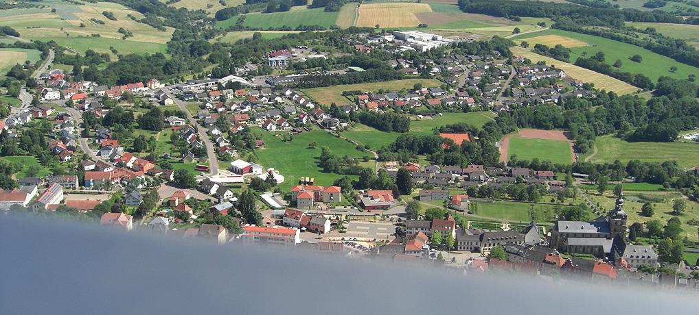Der Schaumbergturm in Tholey ist aufgrund seiner Höhe eine beliebte Sehenswürdigkeit im Saarland.