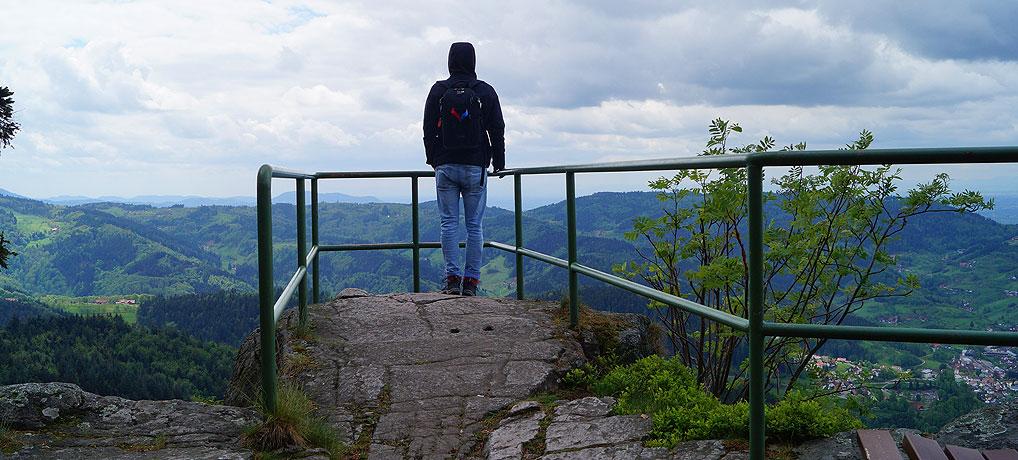 Der Karlsruher Grat bei Ottenhöfen im Schwarzwald hat einen tollen Wanderweg.