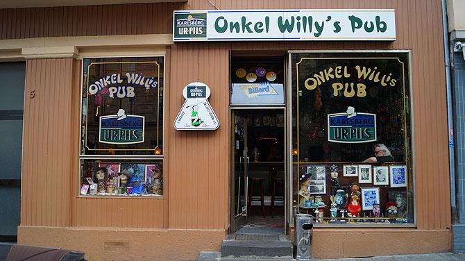Onkel Willys Pub Mainz ist von außen nicht zu übersehen.