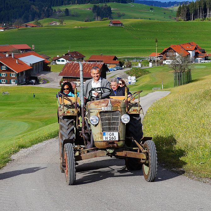 Mit dem Traktor zum Bergfrühstück