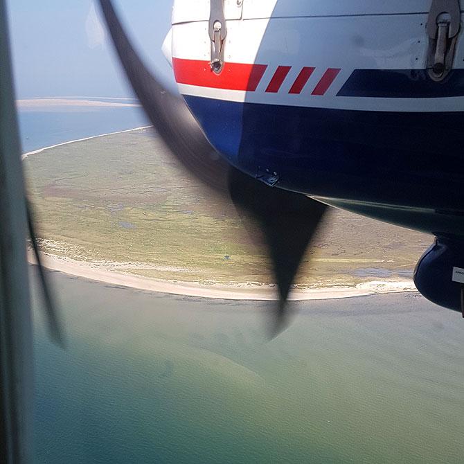 Ausblick vom Flugzeug auf die Insel